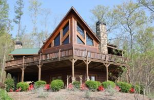 Tuckaway Ridge Mountain Cabin, Blue Ridge — Tuckaway Ridge Mountain Cabin in Blue Ridsge, GA