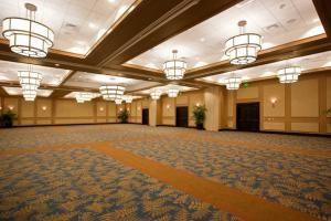Emerald Diamond Plated Wedding Package, Mainsail Conference & Events Center Tampa, Tampa — Our beautiful ballroom can easily handle functions of any size.