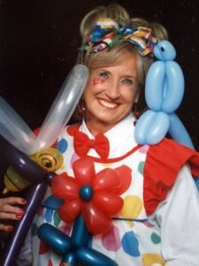 Bubbles The Balloon Lady, Kailua Kona — I have been entertaining children at their Birthday Parties with Face Painting and Balloon Twisting for over 20 years and I am still loving it!