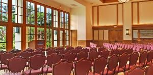 Grand Promenade, Grand Hyatt Kauai Resort & Spa, Koloa — Larhe meeting room with podium