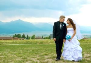 2 Hours of Wedding Photography Coverage, Rayna McGinnis Photography, Broomfield — Two Hour Wedding Photography Package