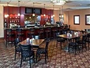 Hyde Park Grille, Holiday Inn Akron-West, Akron — Hyde Park Grille