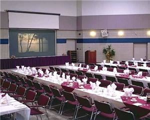 Day Meeting Package, Kempenfelt Conference Centre, Barrie, Innisfil — Centre Hall