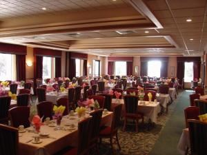 Luncheon Entrees (starting at $13.95 per person), Ridgeway Country Club, Neenah