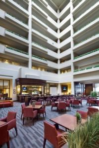 Atrium Lounge, Embassy Suites Boston Waltham, Waltham