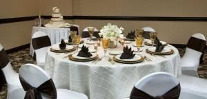 Diamond Wedding Package, Embassy Suites/Basil's Kitchen and Catering, Seattle