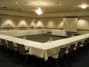 Saturday Rental Package, Royal Cliff, Saint Paul — MeetingRoom628_jpg_w560h420.jpg