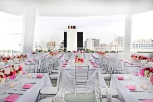 Weekend Day Event - 5 hours, SKYDECK MIAMI, Miami Beach — Sitting dinner event