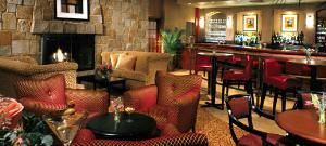 Bistro 44 Restaurant And Bar, DoubleTree by Hilton Hotel Boston - Bedford Glen, Bedford