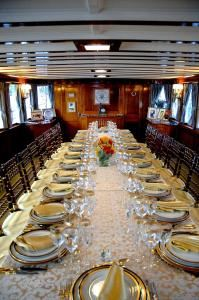 Private Charter - Cruise (starting at $10,000), Sequoia Presidential Yacht Group, Washington