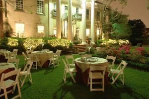 Garden, The Groovey Grill Mansion, Houston