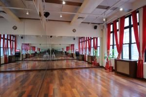 Flamenco Room Rental, The Ball NY Dance Studios, New York — Flamenco Room - 333 sq feet
