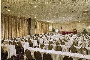 Terrace Ballroom, Holiday Inn Express Philadelphia-Midtown, Philadelphia — All rooms include telephone with modem jack, individual climate control, blackout drapes, adjustable lighting and complimentary high-speed wireless internet access.