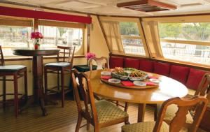 Finished Business Rental from $1850, Capital Yacht Charters, Washington