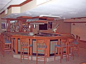 Legends Sports Bar and Grill, Quality Inn & Suites Hanes Mall, Winston Salem