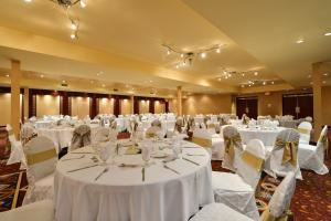 Wedding Packages from $39.99 per person, Radisson Hotel and Convention Centre, Edmonton — Grand Ballroom