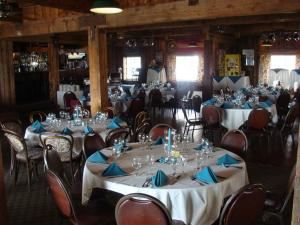 The General's Buffet, 94th Aero Squadron Restaurant, Columbus — tables