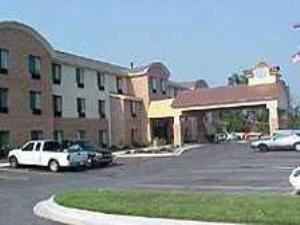 Holiday Inn Express Hotel & Suites - Canton