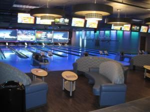Bowling Suite, Airway Lanes, Portage