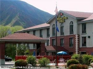 Holiday Inn Express Glenwood Springs (Aspen Area)