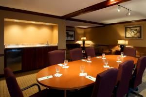 277, Holiday Inn Cleveland-S Independence, Independence — Hospitality / Boardroom