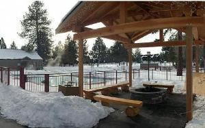 Outside Dining Deck, Seventh Mountain Resort, Bend