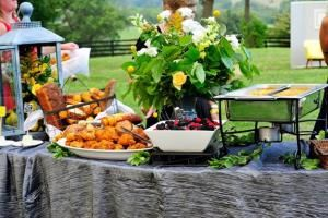 Marriott Ranch Catering, Hume
