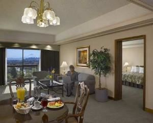 Executive Meeting Center-Madison, Doubletree Hotel & Executive Meeting Center Portland-Lloyd Center, Portland