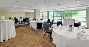 Salon Soulanges, Sheraton Montreal Airport Hotel, Dorval — Salon Soulanges, Mercier, Laurentien, Dorval, Dorion, D'Urfe, Sthrathmore, Valois, Mirabel & Laval - Can accommodate 2 to 100 pers. These rooms can be combined up to 4.