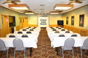 Chase Suite Hotel by Woodfin