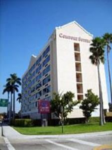 Comfort Suites Airport & Cruise Port