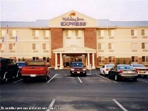 Holiday Inn Express-Owasso