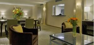 Three Bay Suites(2), Hyatt Regency Atlanta, Atlanta — Three Bay Suite is Ideal for small gathereings