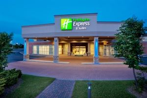 Holiday Inn Express & Suites Toronto-Mississauga