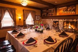 Trotter, Parkers Blue Ash Grill, Cincinnati — Trotter Room: Accommodates up to 20 guests