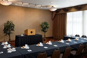 Shiraz Meeting Room, ClubHouse Hotel & Suites, Sioux Falls — Shiraz - Conference Style