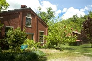 Pump House Wedding & bed and Breakfast