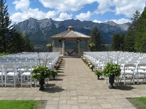Silvertip Golf Resort, Canmore — Gazebo