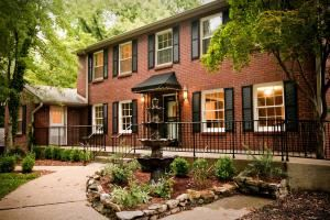 Rental Packages, The Tanglewood House, Clarksville