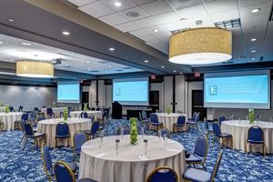 John A Roebling Ballroom, Embassy Suites by Hilton Cincinnati RiverCenter, Covington — Roebling Ballroom seats 250 for a banquet, or 150 for a classroom style meeting.  It also divides into 3 smaller sections.  This room is newly renovated, with state-of-the-art AV equipment.