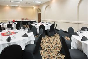 Silver Wedding Package, Clarion Hotel Cincinnati North, Cincinnati