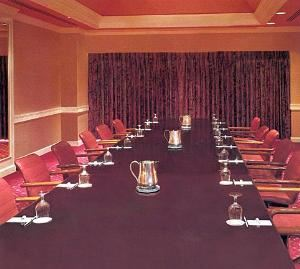 Platinum Room, Trump Taj Mahal, Atlantic City — This esteemed boardroom is in great demand as it provides first-rate accommodations for private corporated settings. A sliding glass door at the head of the room opens to reveal a verandah with a magnificent view of the Atlantic Ocean.