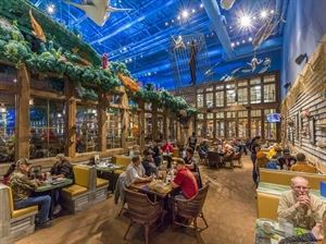 Uncle Buck's Fishbowl and Grill, Bass Pro Shops Tacoma