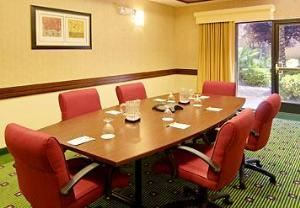 Canal Room, Courtyard Las Vegas Summerlin, Las Vegas — Just because your meeting is smaller doesn't make it less important. You deserve professional treatment and you'll get it in our boardroom! Enjoy high-speed Internet access, copy service, audiovisual equipment, overnight delivery, catering and much more.