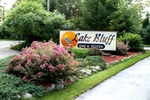 Lake Bluff Inn and Suites