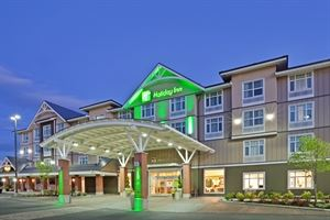 Charcoal and Woodz at Holiday Inn & Suites Cloverdale Surrey