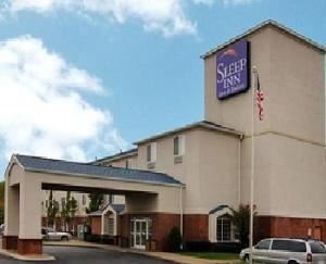 The Sleep Inn & Suites