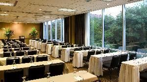 Suites 4 & 5, Sheraton Indianapolis Hotel & Suites, Indianapolis — Enjoy a glimpse of the outdoors while conducting your next meeting.