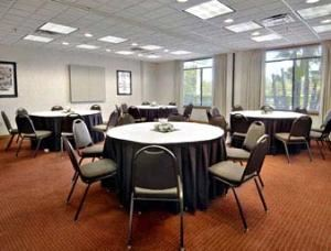 Meeting Room, Wingate by Wyndham Tampa near USF, Tampa — General Meeting Space - Banquet Setup