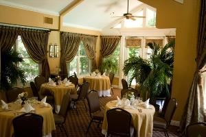 Seasons Cafe, The Sanford House Inn & Spa, Arlington — Vaulted Ceilings and beautiful views of the Grand Courtyard makes Season's Cafe the ideal place for dining, meetings, and receptions up to 40.